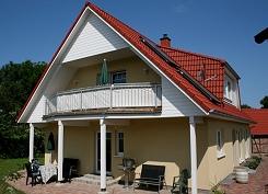 Haus eintracht ferienwohnungen in sellin auf r gen for Apartments haus eintracht sellin